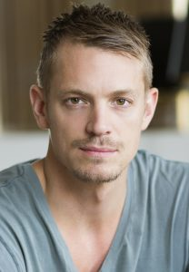 Joel_Kinnaman-altered-carbon-netflix-208x300